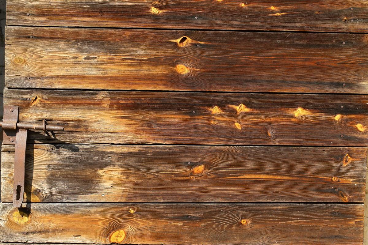 odnowienie drewnianej elewacji